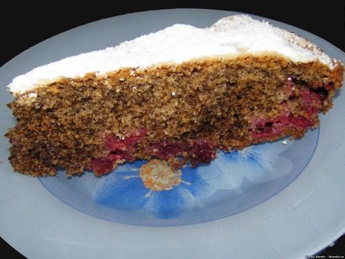 Орехово-ягодный пирог