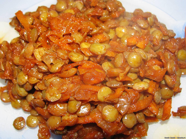 Чечевица в томатном соусе