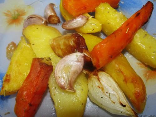 Картофель с морковкой